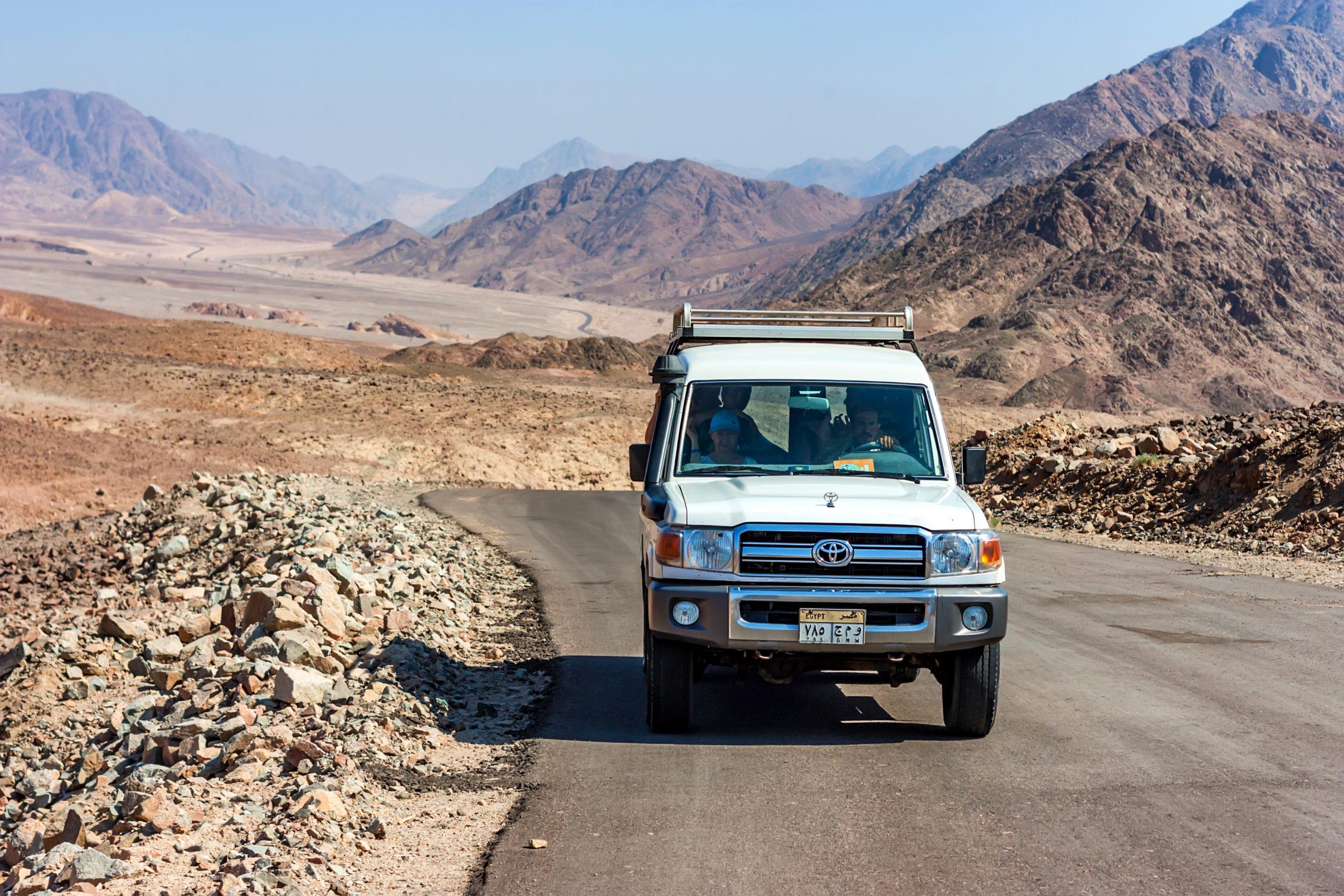Sinai Desert Jeep & Hiking Tour