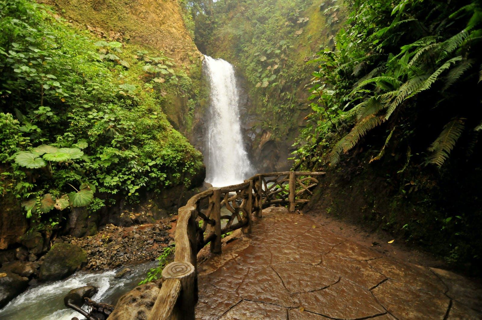 Doka_poas_la Paz Waterfall Tour_37