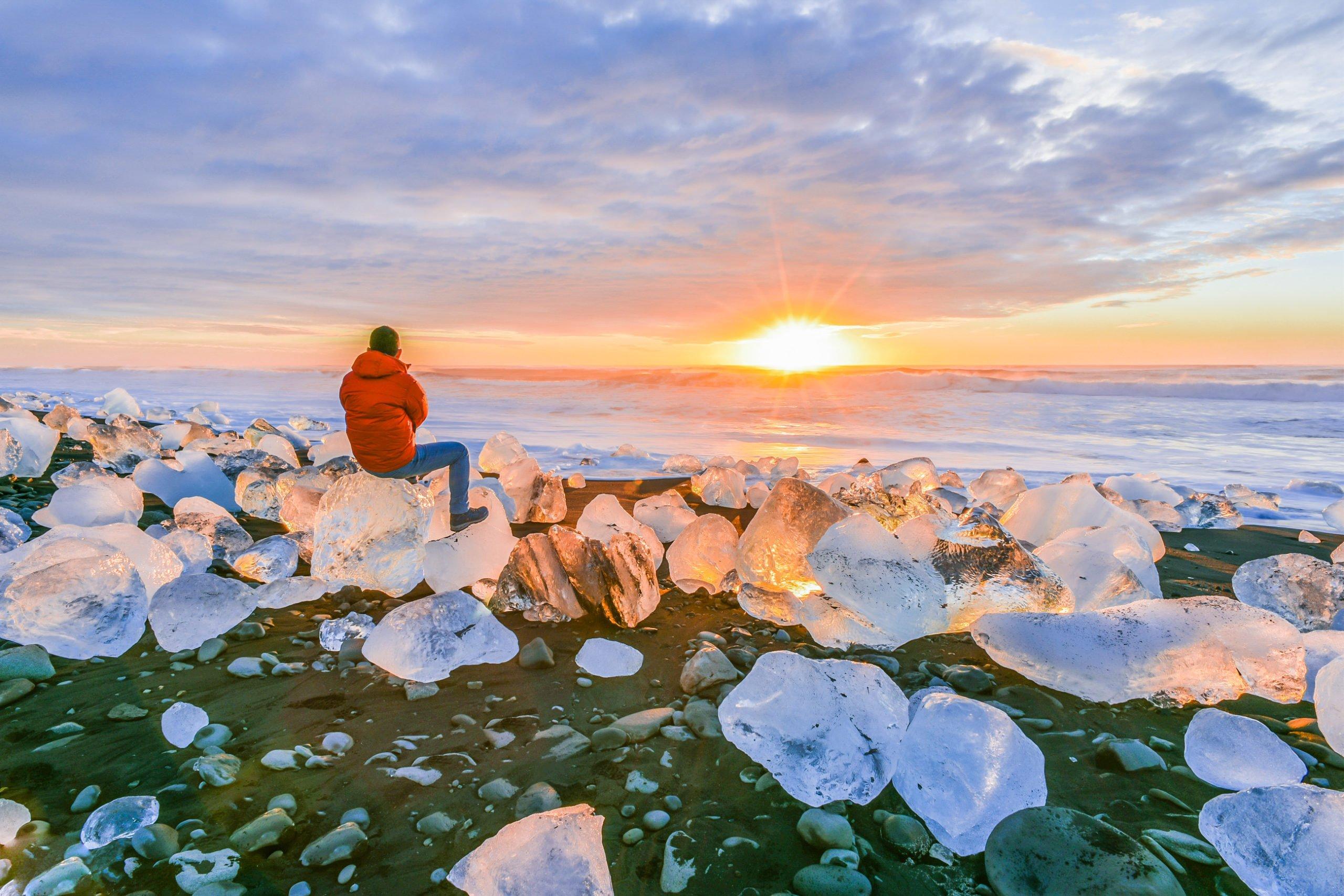 Explore Diamond Beach On Your Jökulsárlón Glacier Lagoon Tour