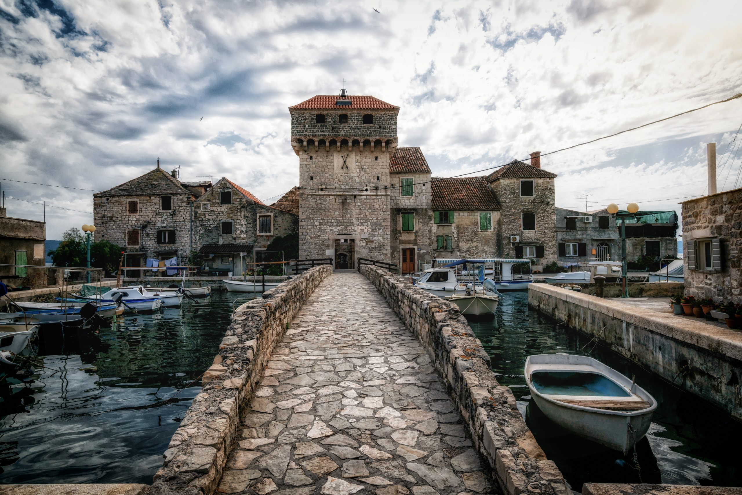 Explore The Game Of Thrones Sceneries During Your Game Of Thrones Tour From Split
