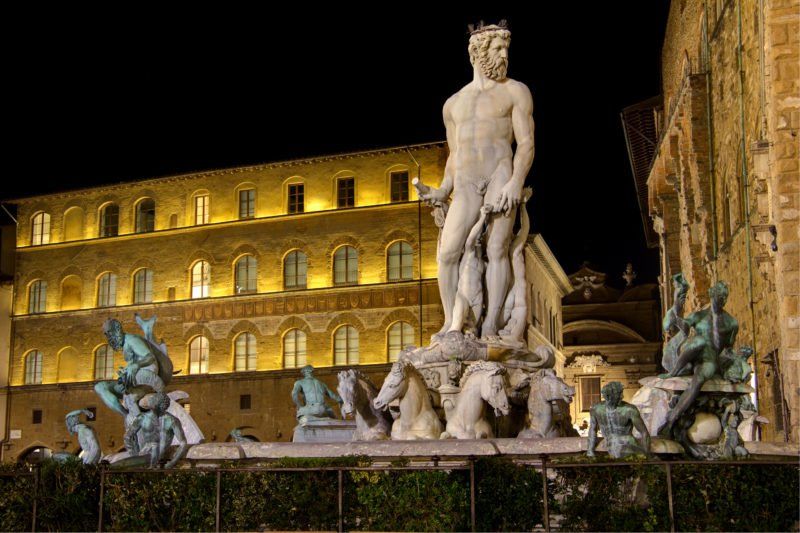 Cross The Fountain Of Neptun On The Florence Night Walking Tour