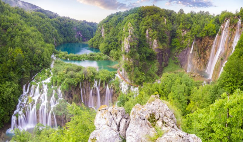 Discover The Stunning Plitvice Lakes National Park On The 7 Day Highlights Of Croatia Package Tour