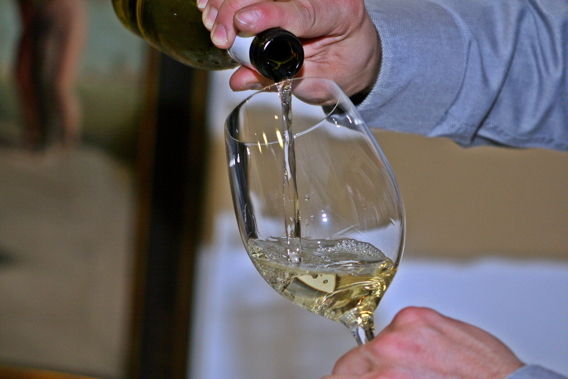 Learn From A Professional Sommelier About The Italian Wines During Your Milan Wine Experience_52