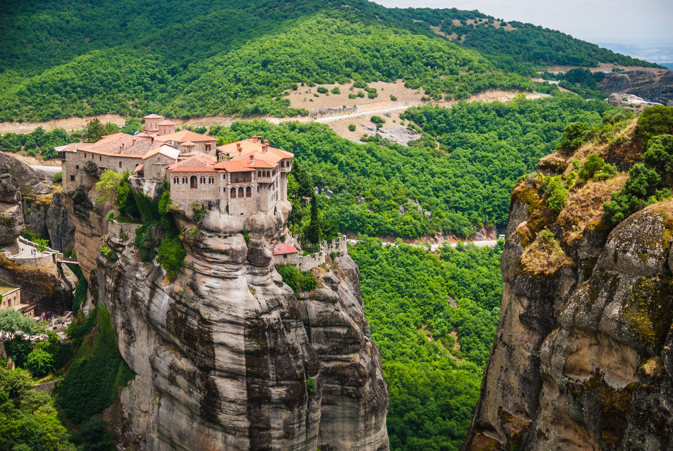 Take In The Marvelous Atmosphere Of Meteora On The Meteora 3 Day Tour From Athens And Thessaloniki By Train