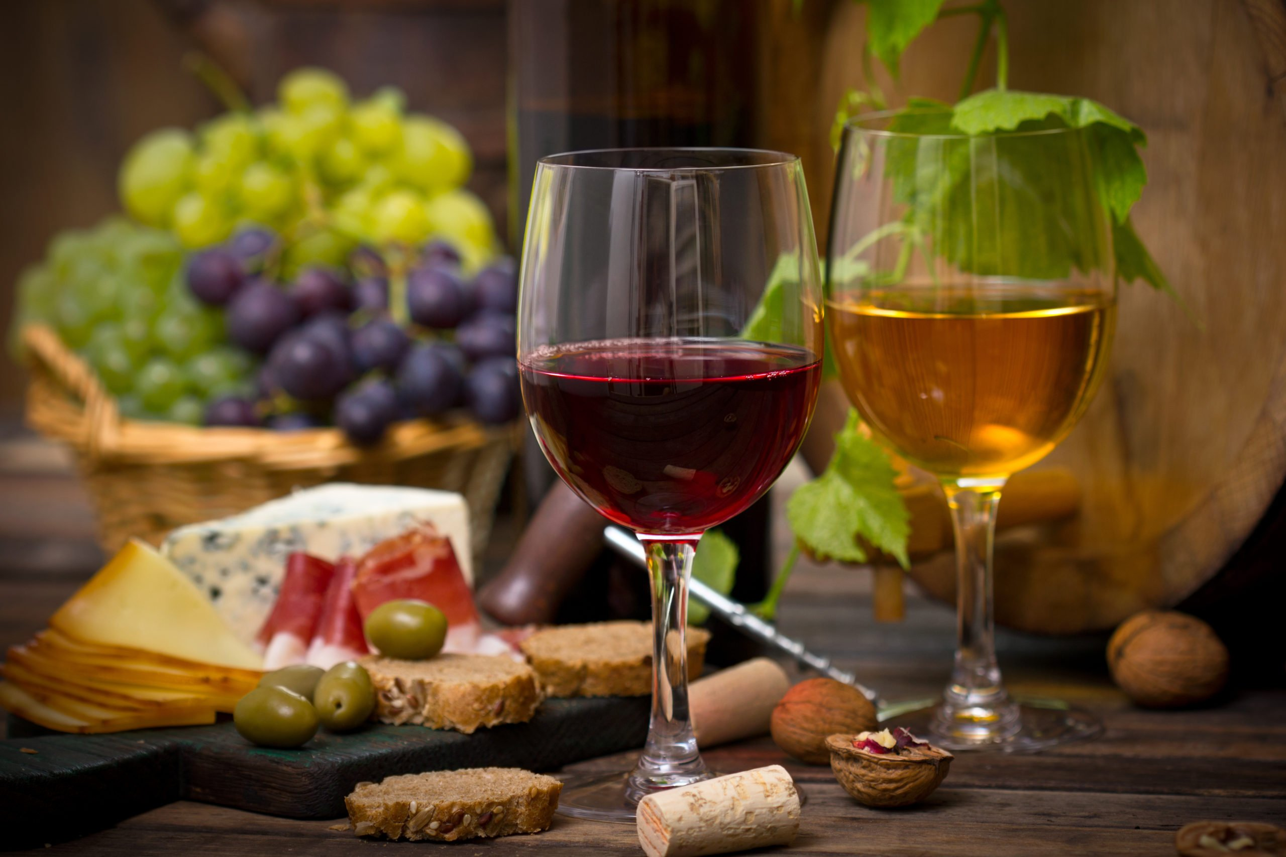 Taste Some Italian Wine And Typical Appetizers On The Milan Wine Experience