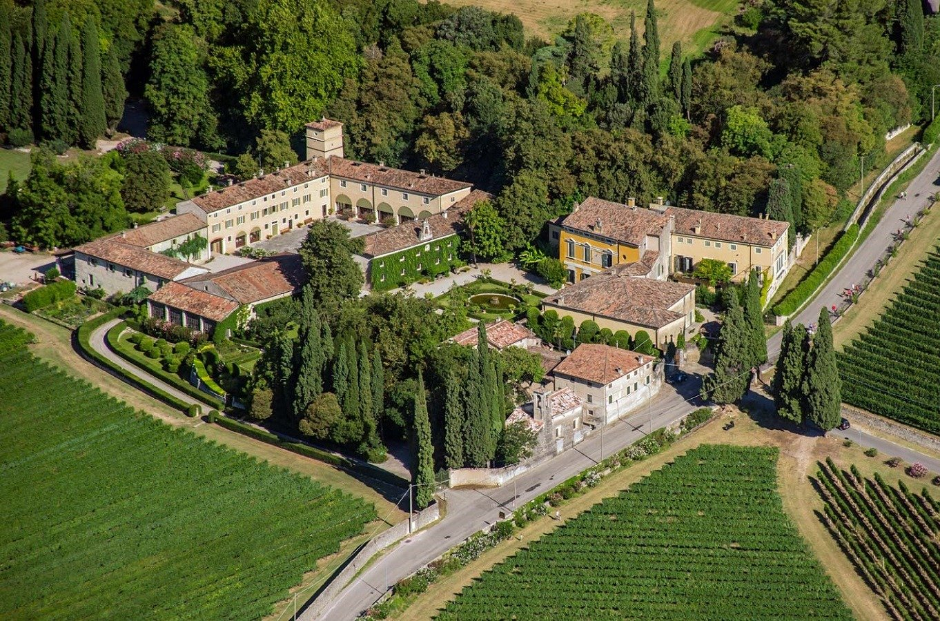 Visit A Local Winery On The Valpolicella Wine Tasting Experience_52