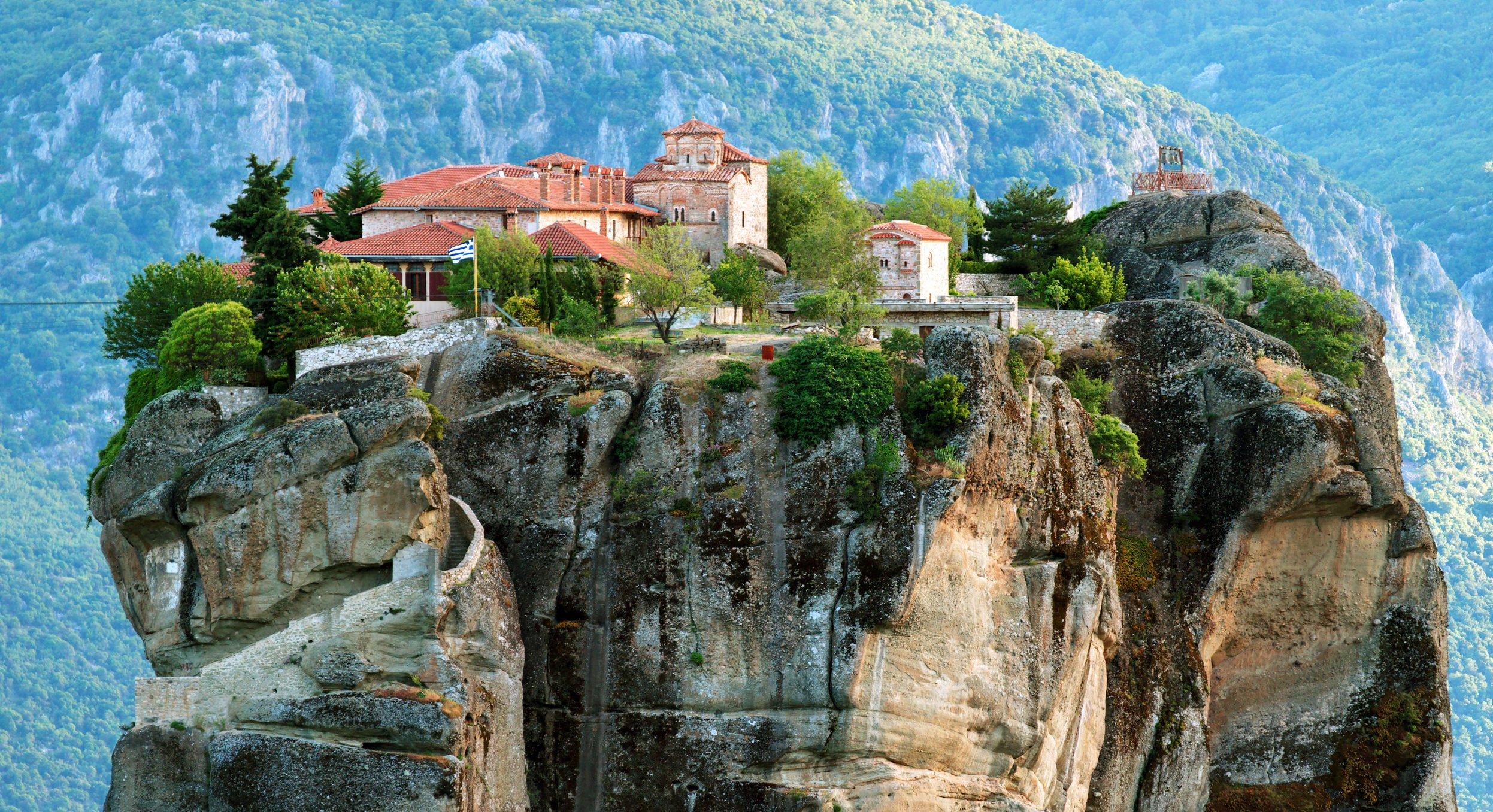 Visit The Stunning Unesco World Heritage Meteora On The Meteora Day Tour From Athens Or Thessaloniki By Train