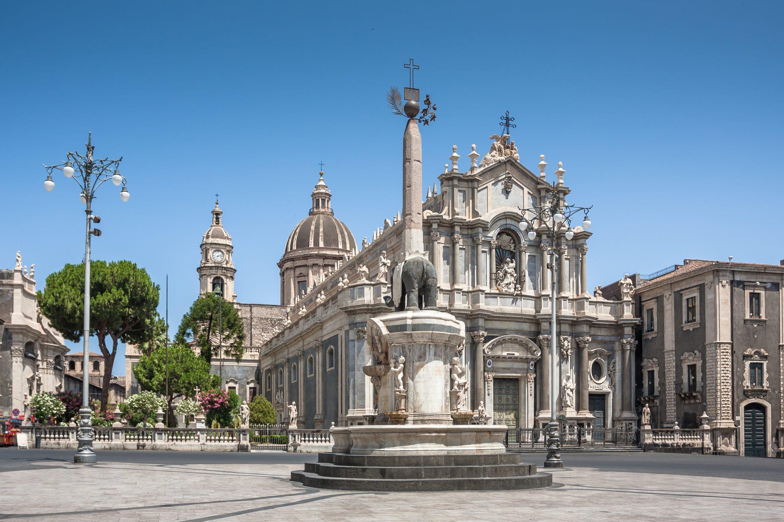 Admire The Beautiful Duomo Of Catania On The Catania City And Street Food Tasting Tour