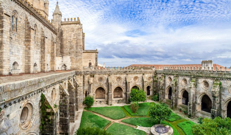 Discover Evora With Your Guide On The Evora Wine Tasting Tour From Lisbon