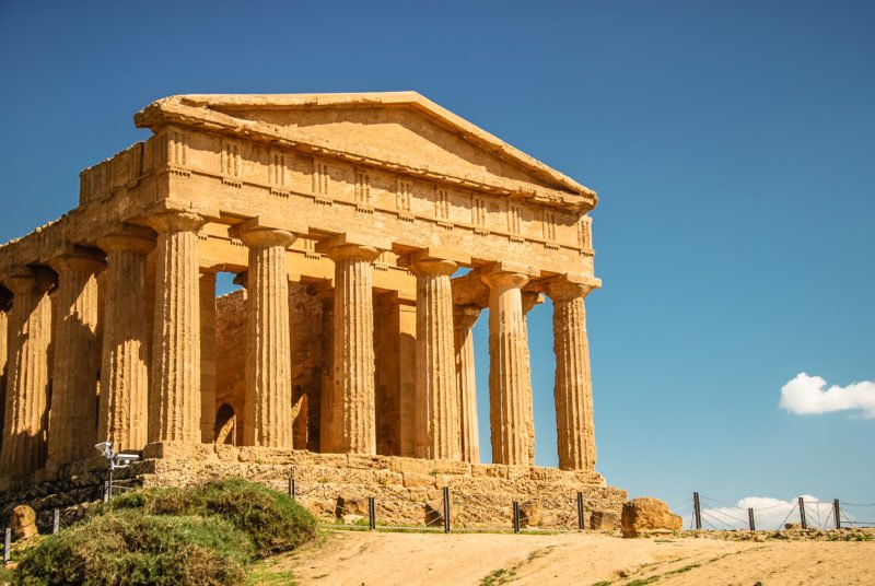 Discover The Famous Valley Of The Temples On The 8 Days Highlights Of Sicily Tour Package