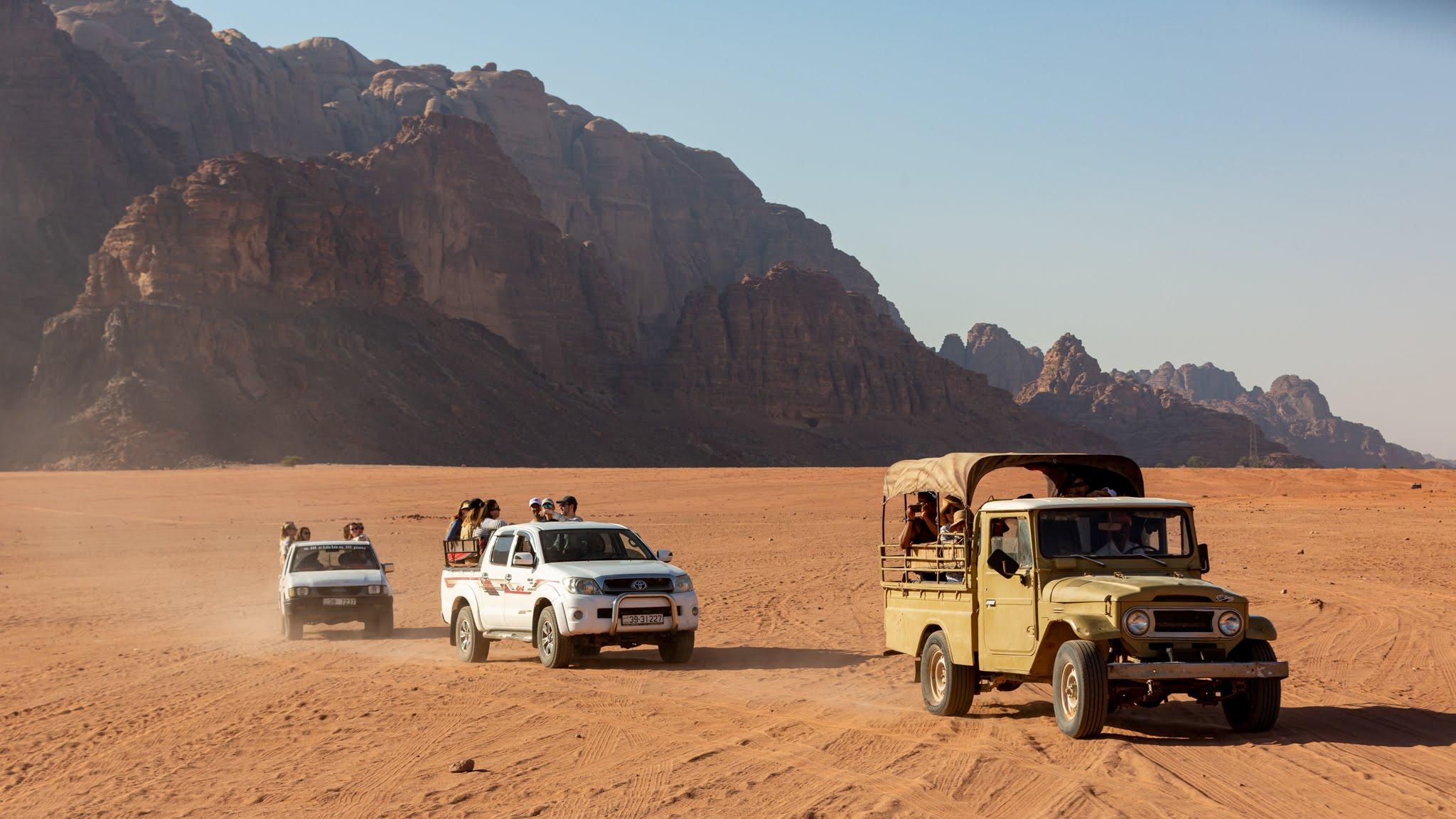 Enjoy A Jeep Tour Through Wadi Rum On The Wadi Rum Jeep Tour Safari From Aqaba