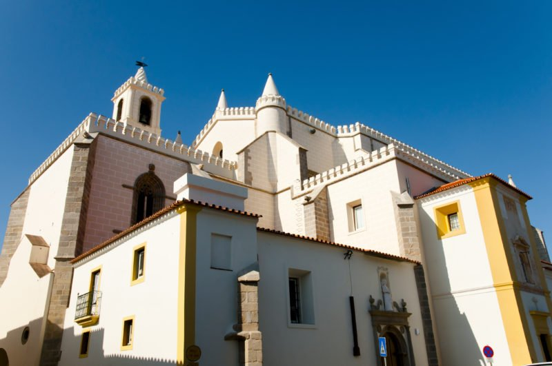 Explore The City Of Evora On The Evora Wine Tasting Tour From Lisbon