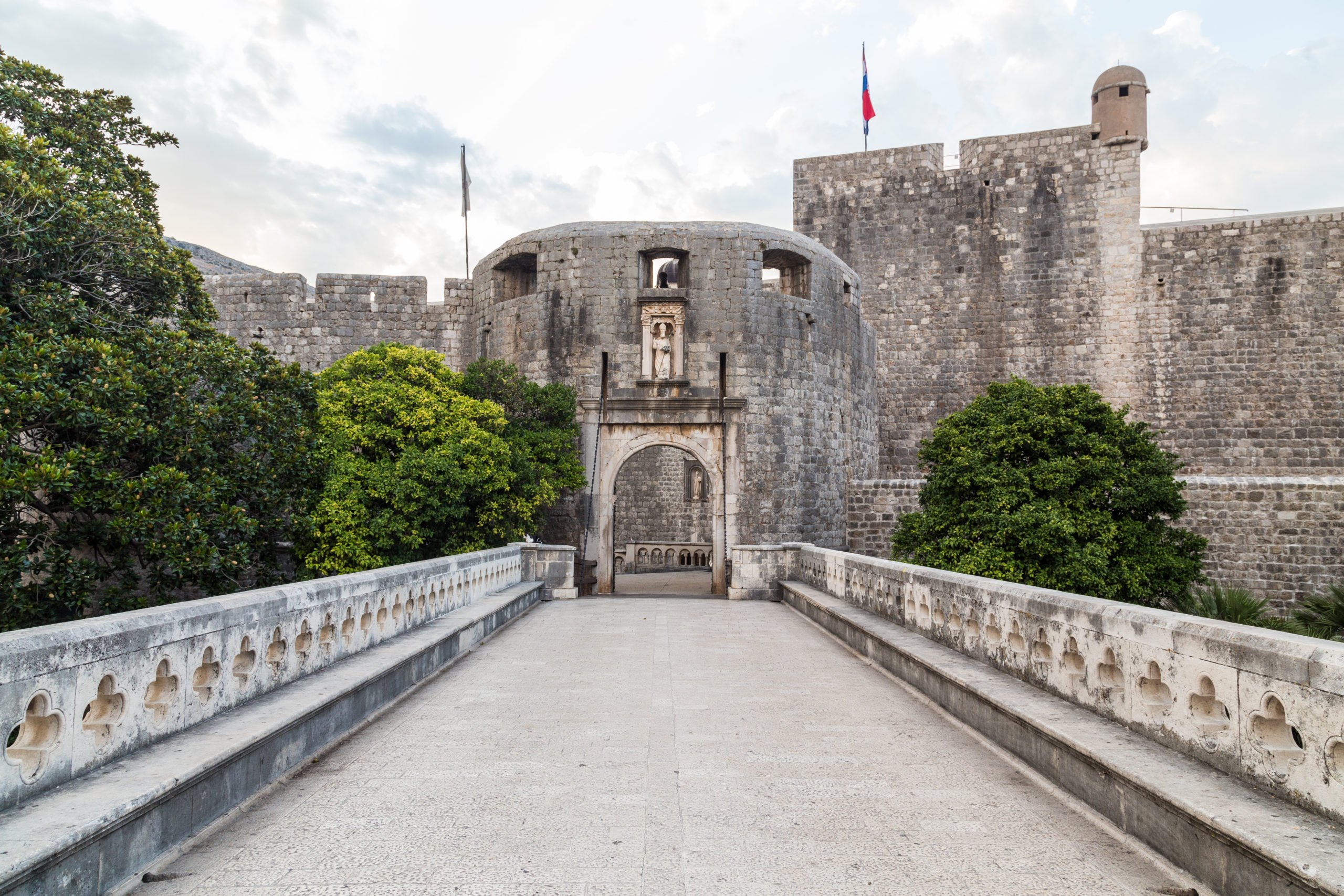 Walk Through The Pile Gate, The Film Location Of The Famous Walk Of Shame Of Queen Cersei On The Game Of Thrones And Dubrovnik Shore Tour