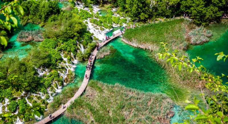 Discover Plitvice National Park On The Best Of Adriatic Sea 11 Day Package Tour (slovenia-croatia-bosnia And Herzegovina-montenegro)