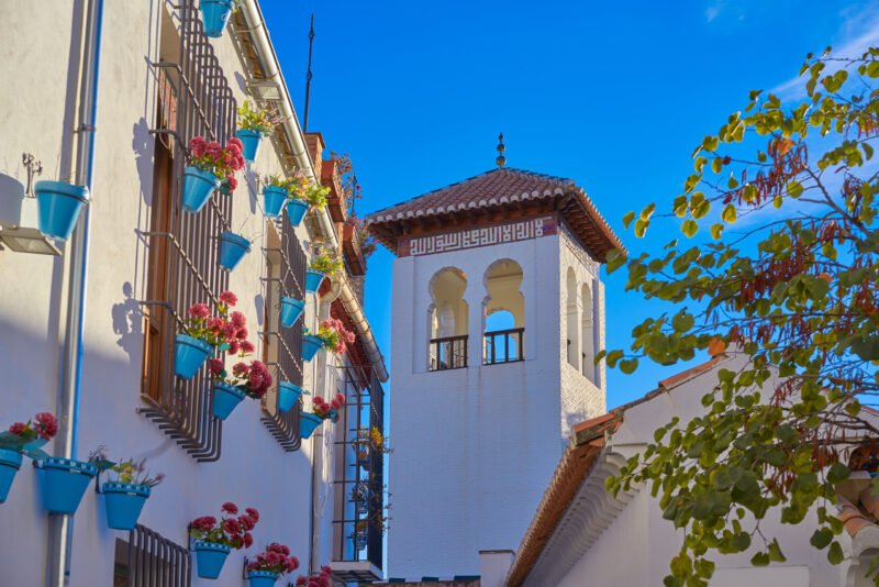 Admire The Famous White Colors And Architecture Of Albaicin On The The Granada Old Town & Albaicin Tapas Tour