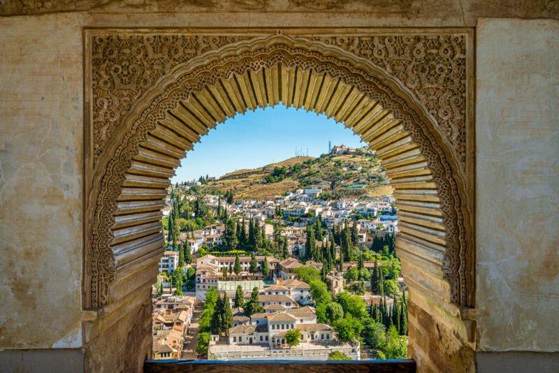 Discover The Arab Quarter Albaicin During The Granada Old Town & Albaicin Tapas Tour