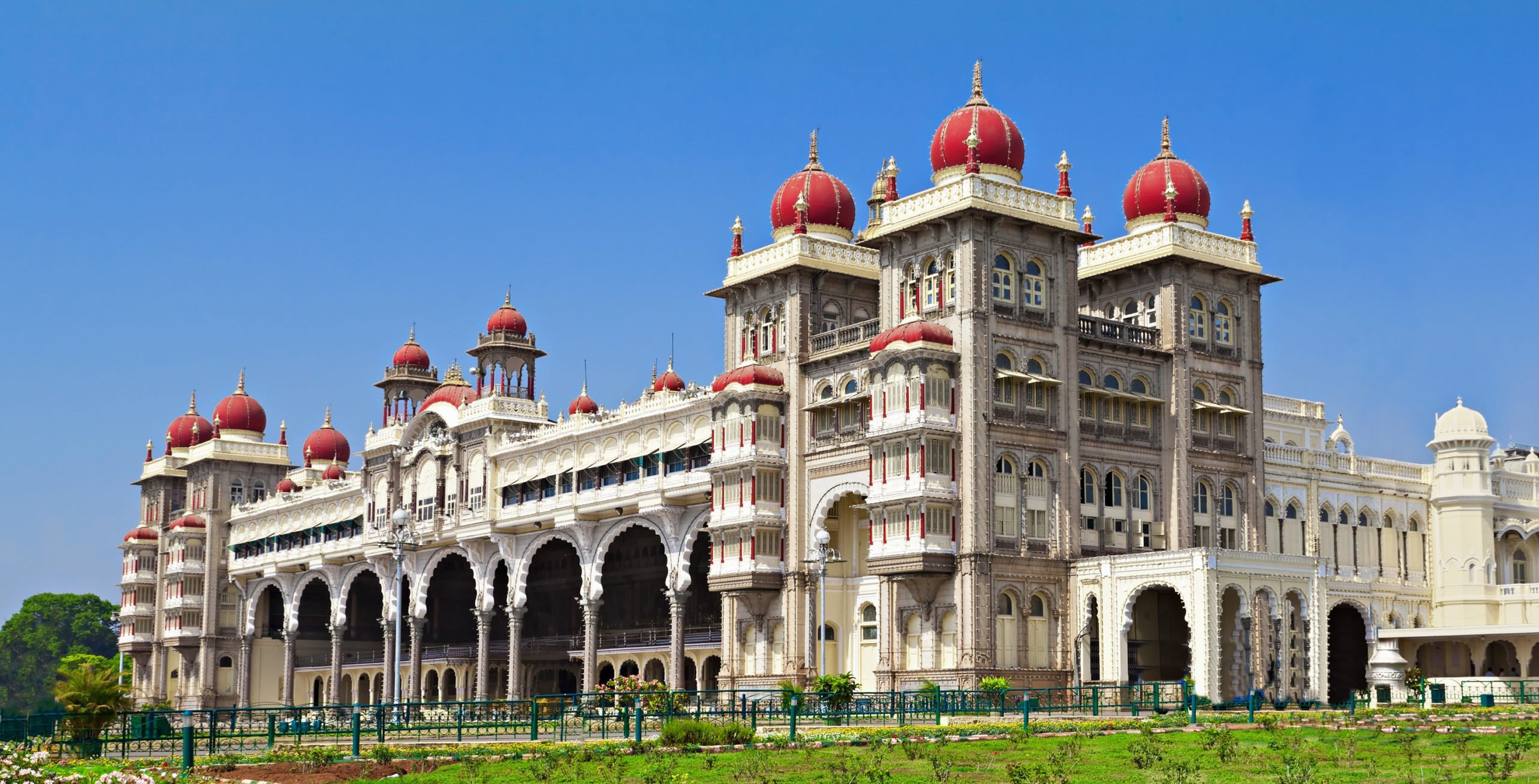 Discover The Mysore Royal Palace On The Royal Kingdom Of Mysore Tour From Bangalore