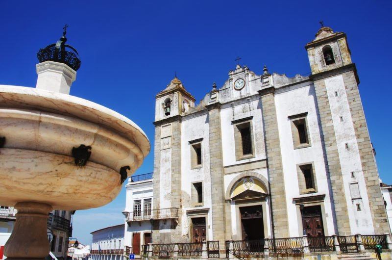 Discover The Beautiful City Of Evora On The South Of Portugal 4 Day Package Tour_59