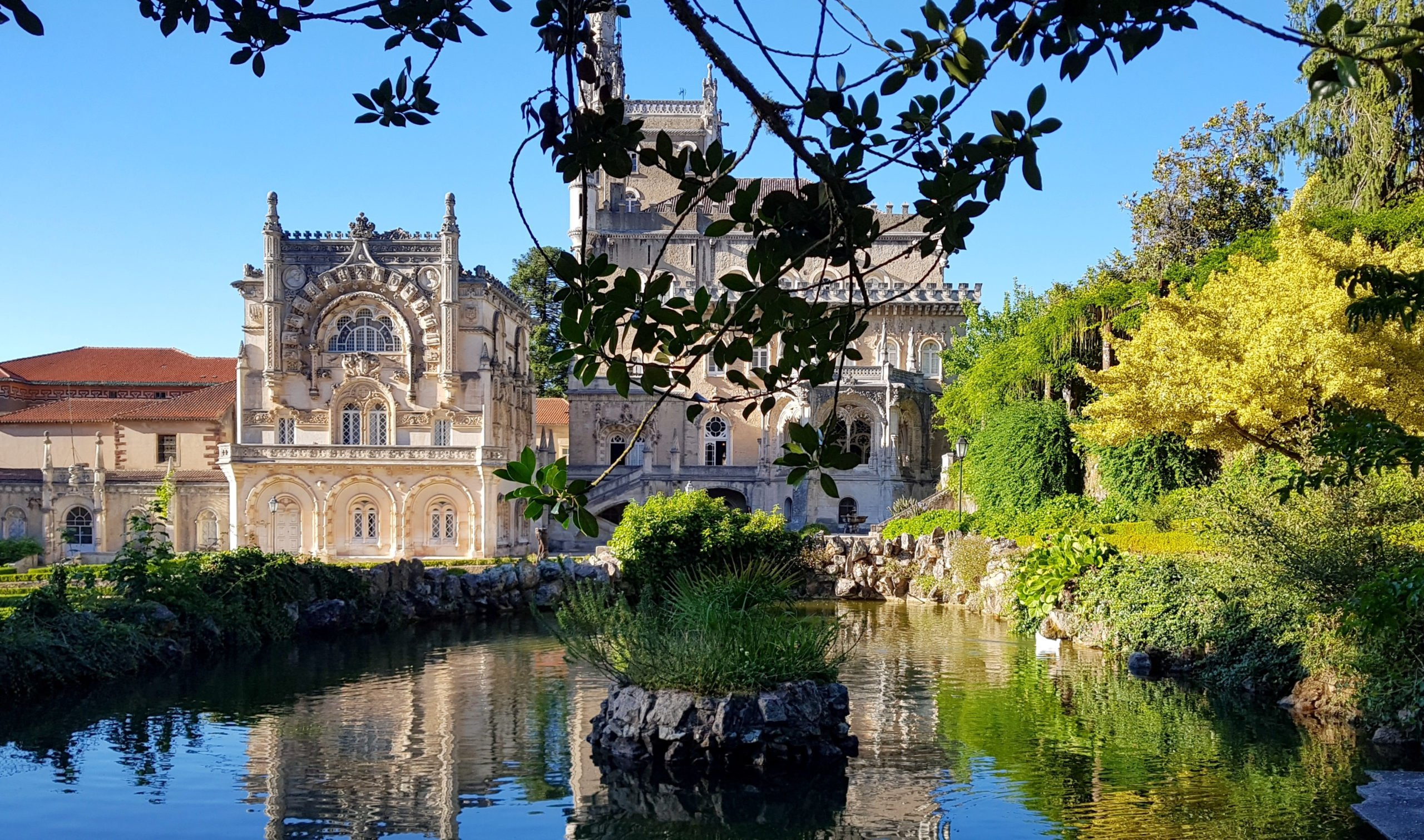 Discover The Beautiful Royal Palace Of Buscasso On The North Of Portugal 6 Day Package Tour