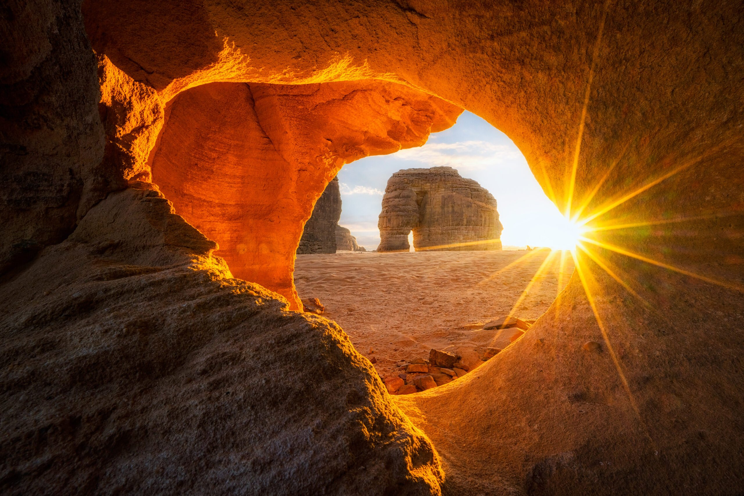Discover The Elephant Rock During The 4 Day Madain Saleh Tour From Tel Aviv & Jerusalem