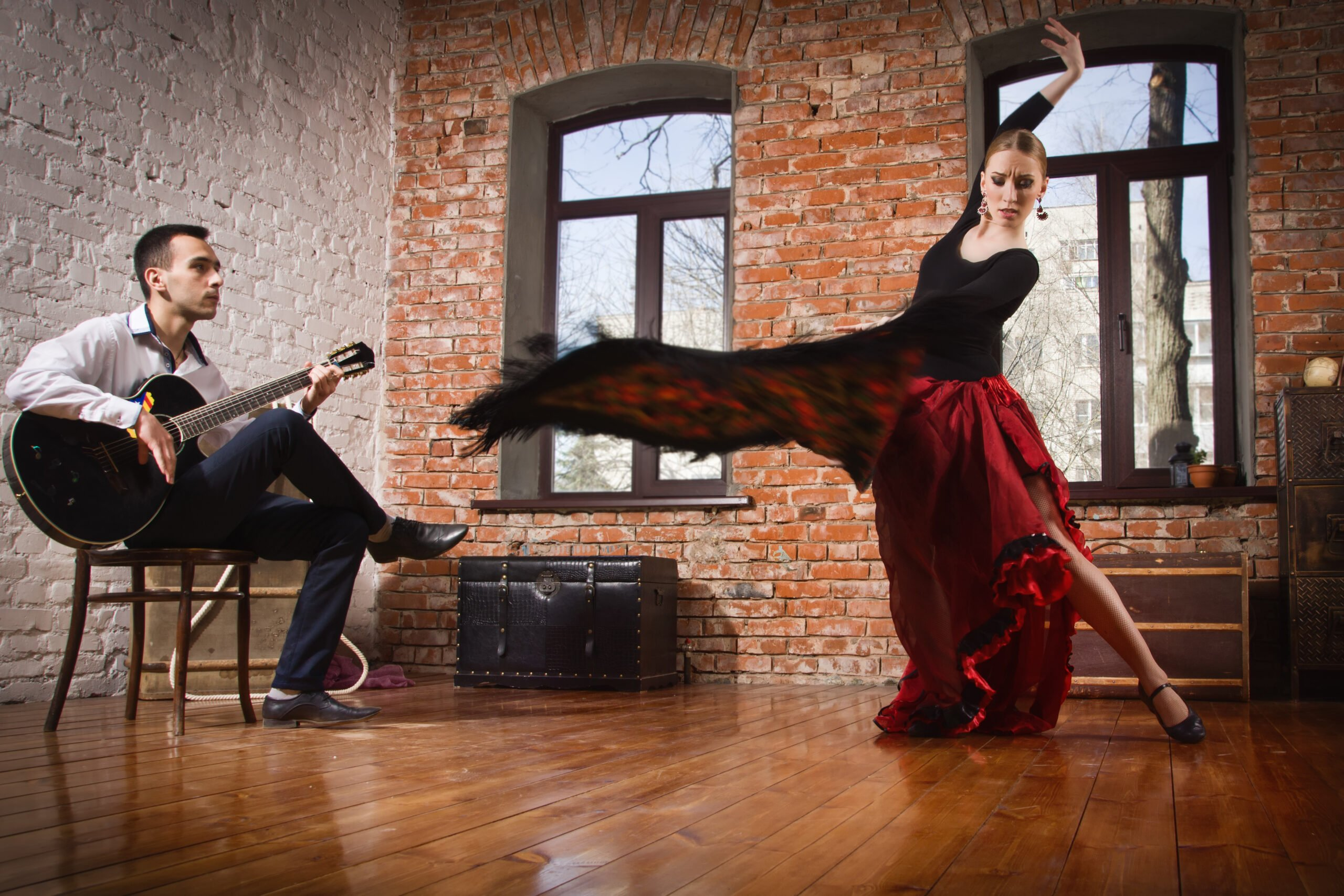 Enjoy A Traditional Flamenco Show On The Tapas Trail & Gypsy Flamenco Show In Granada