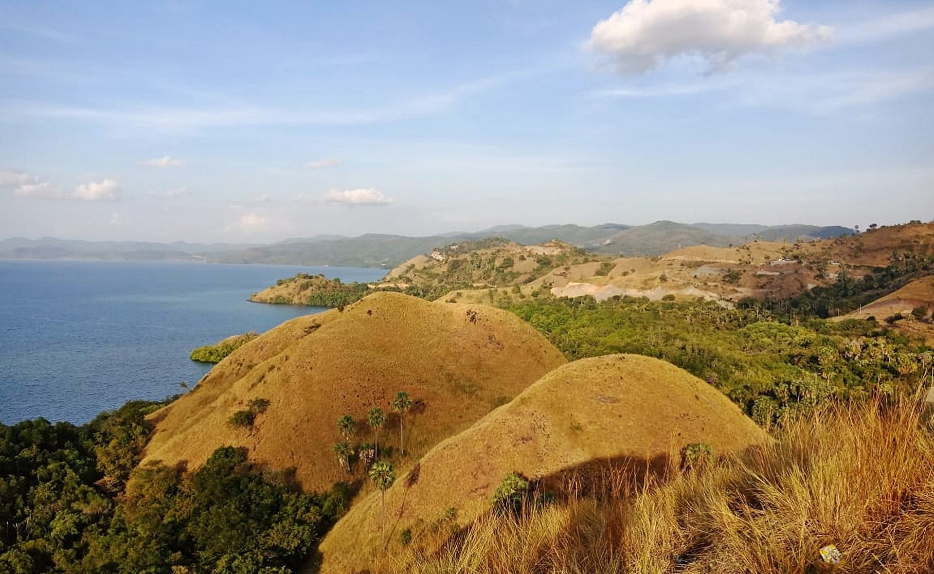 Enjoy The Views Over Amelia Hill On The Flores Cultural Tour From Labuan Bajo_63