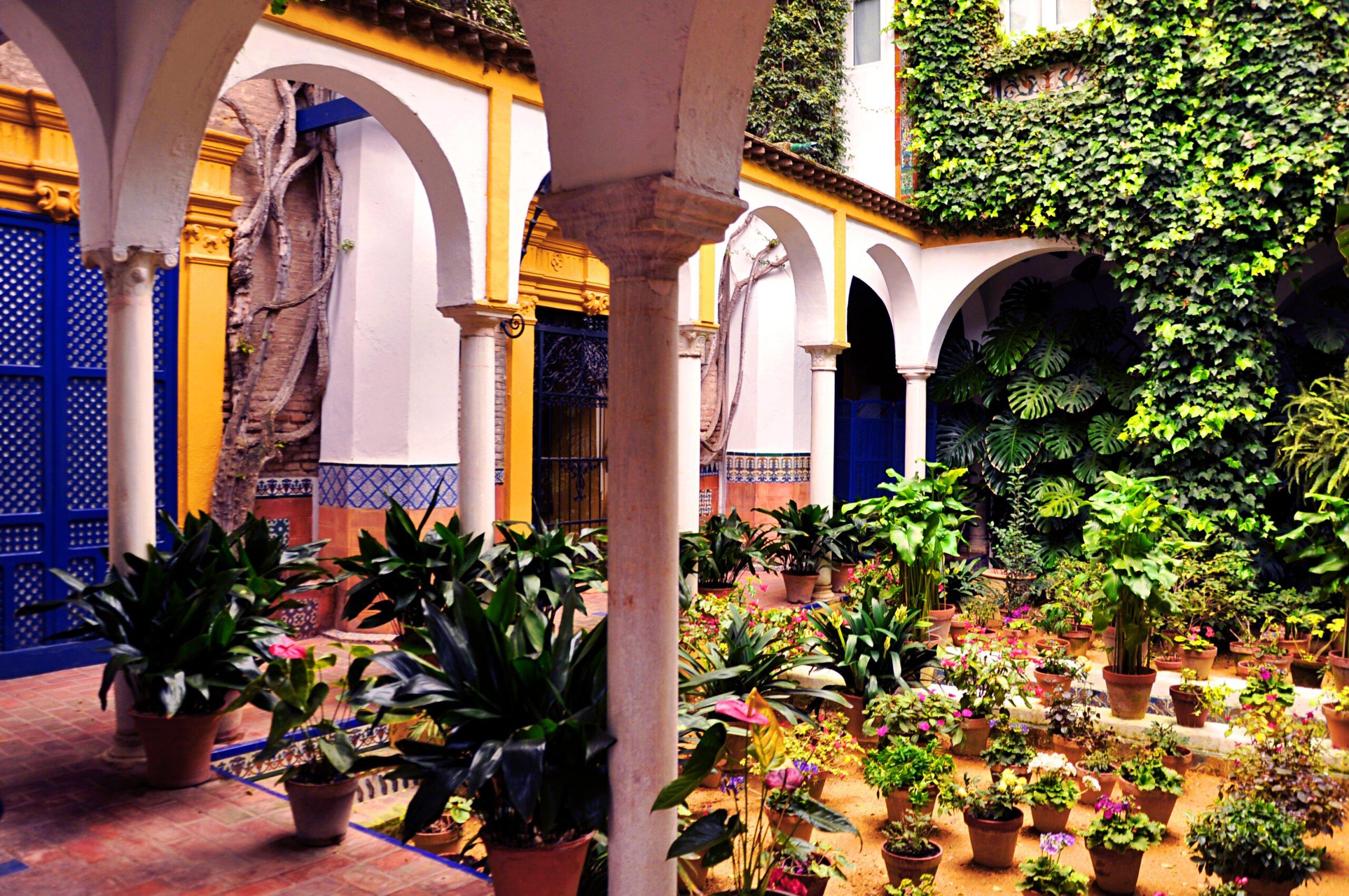 Explore The Beautiful Neighborhood Of Santa Cruz On The Insider Seville City Tour