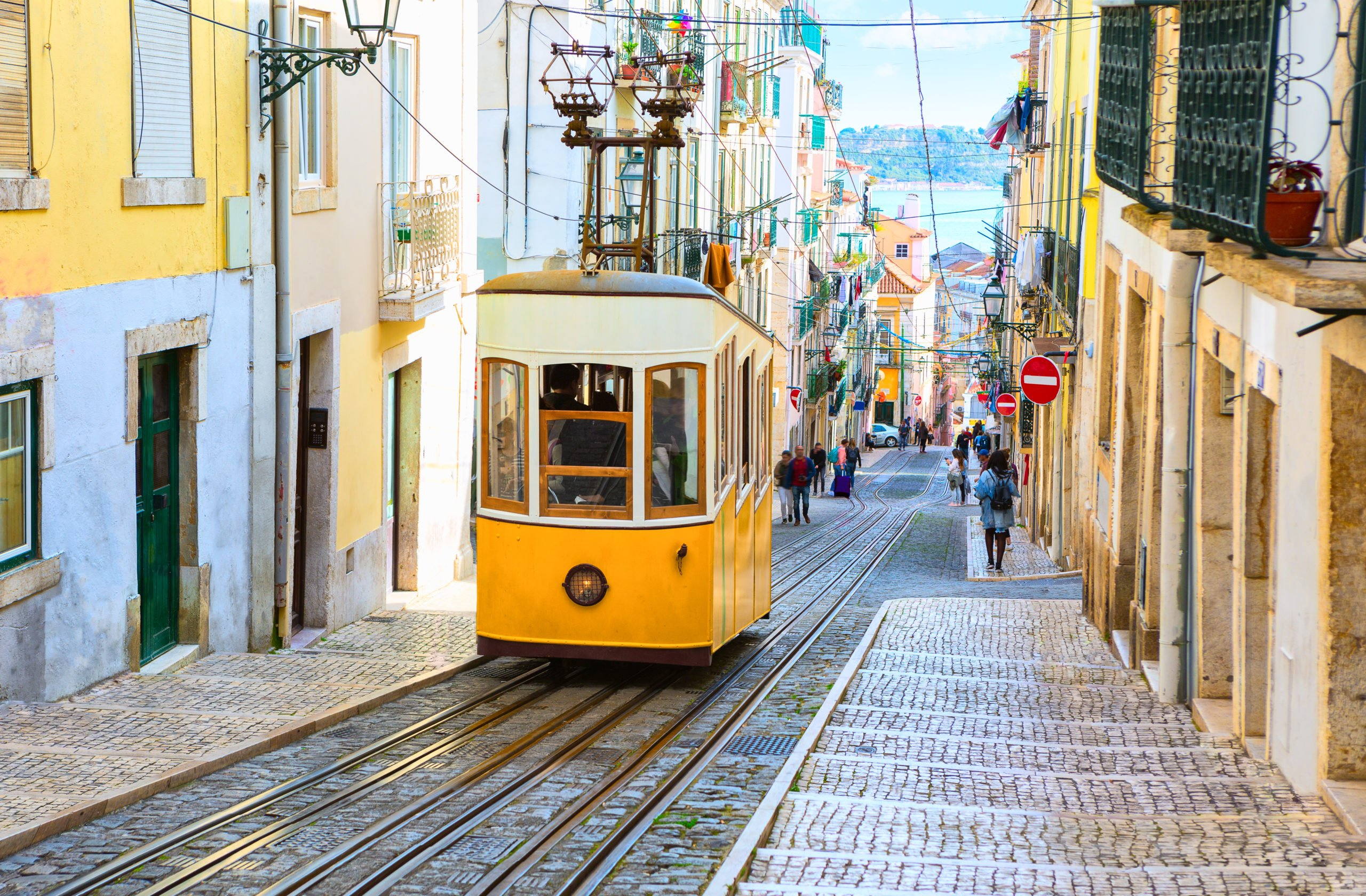 Join Our Highlights Of Portugal 11 Day Package Tour In The Buzzeling City Of Lisbon 1 Scaled