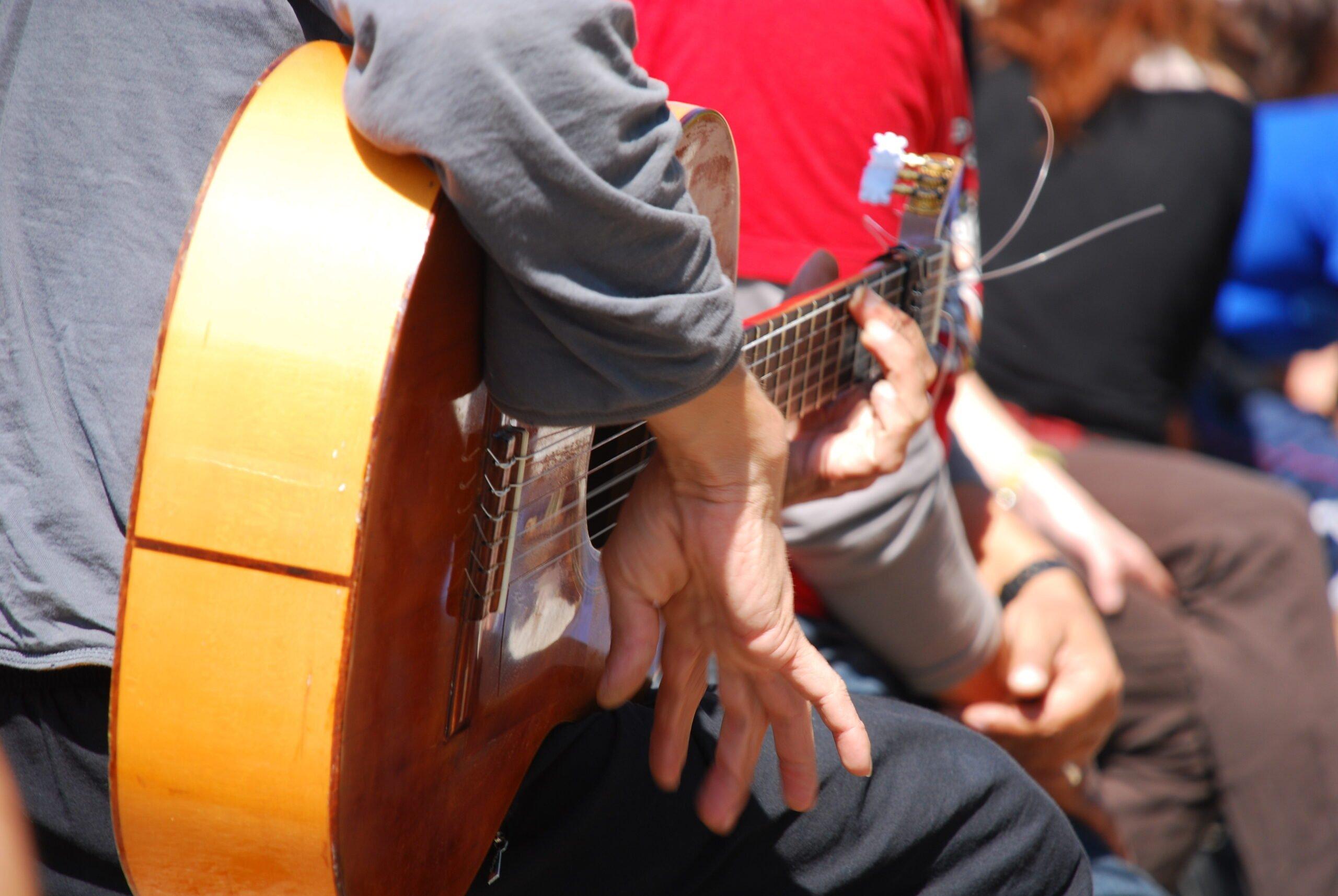 Listen To The Beautiful Music On The Tapas Trail & Gypsy Flamenco Show In Granada