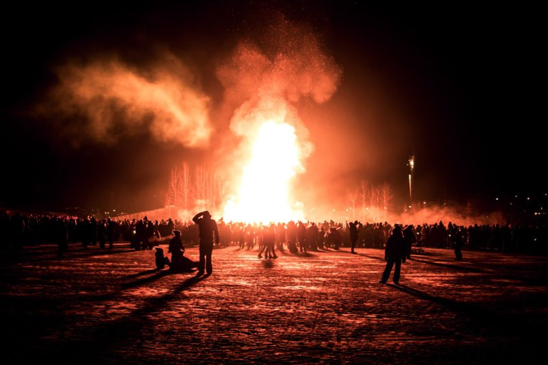 Stop At One Of The Biggest Bonfires In The Capital Area In Our New Year's Eve Bonfire Tour