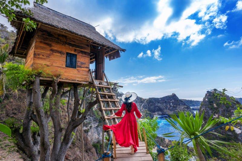 Stop At The Molenteng Tree House And Enjoy The Views On The Penida Island Tour From Ubud, Sanur, Nusa Dua, Tanjung Benoa, Seminyak