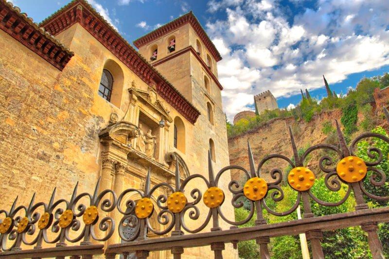 Stroll Trhough The Historic Center Of Granada On The Granada Old Town & Albaicin Tapas Tour