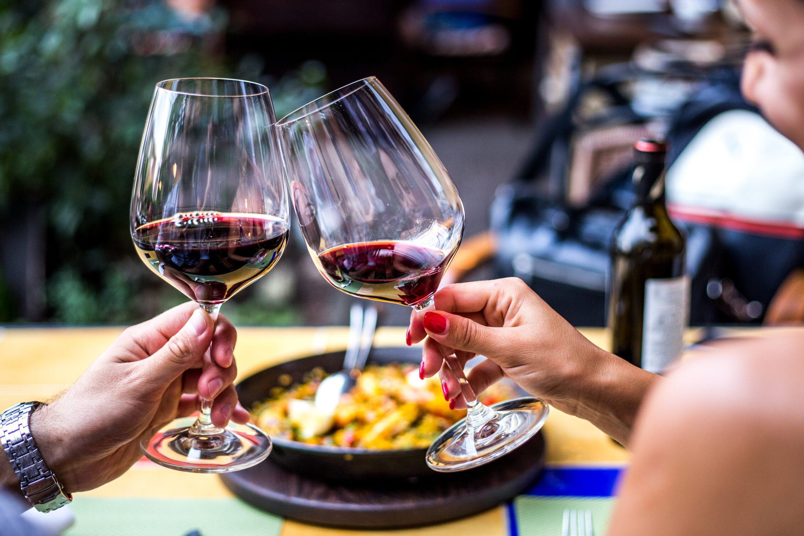 Taste A Delicious Wine Over Your Tapas On The Alternative Market And Tapas Tour In Seville