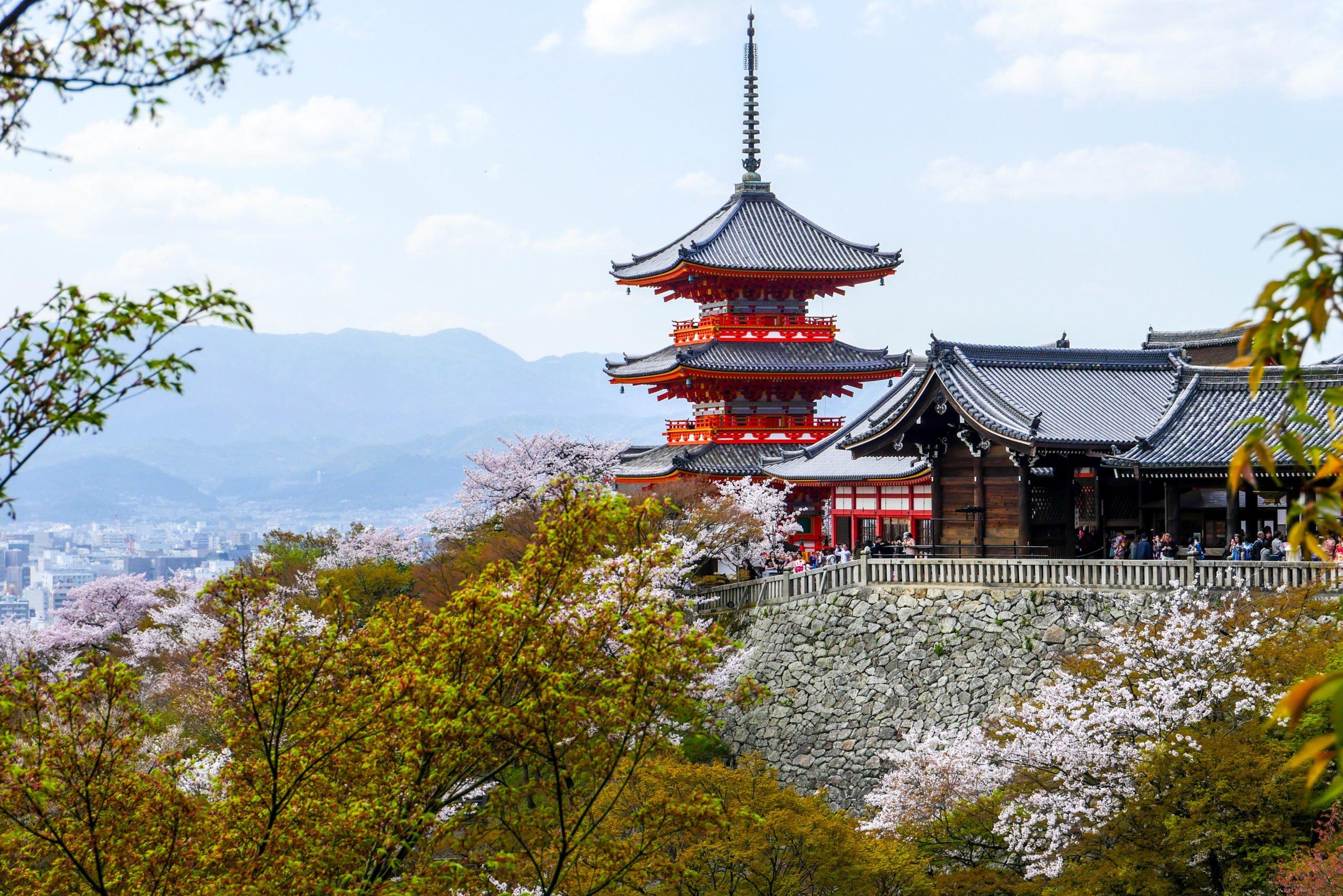 Visit The Kiyomizu-dera Temple