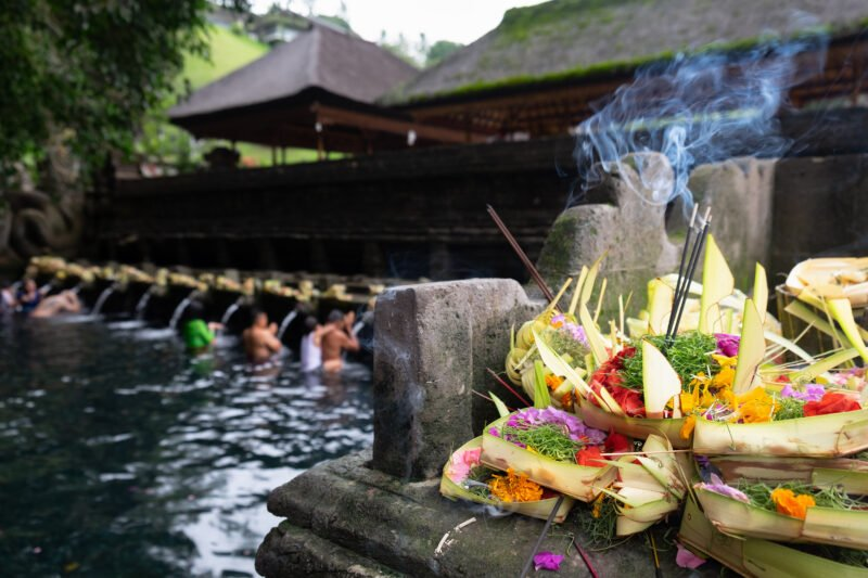 Visit The Titra Temple With The Holy Water During The Bali Culture Tour