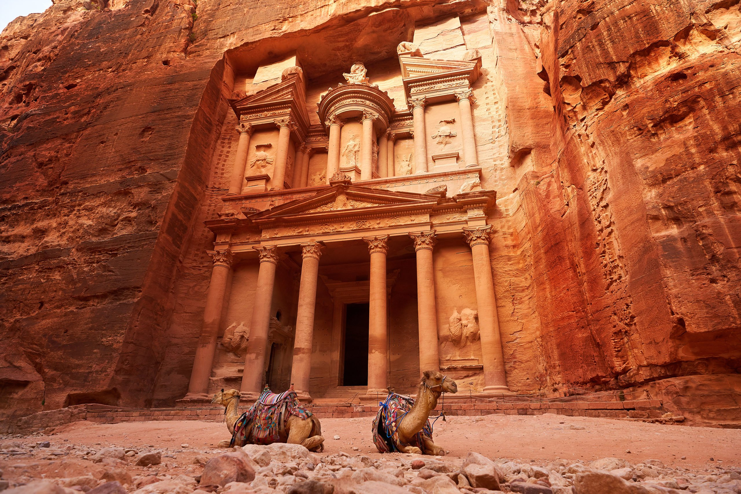 Visit The City Of Petra On The 10 Day Jordan, Dubai And Abu Dhabi Package Tour