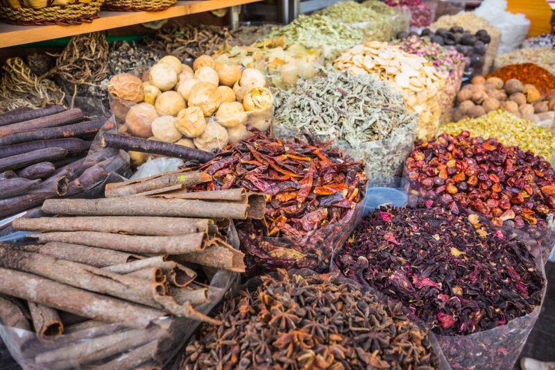 Visit The Famous Landmarks And The Local Markets Of Dubai