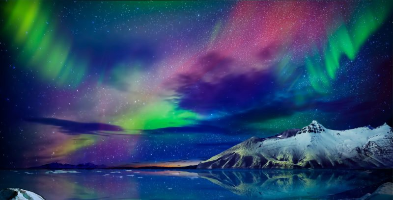 Watch The Unbelievable Iceland Northern Light In Our Blue Lagoon & Northern Lights Tour