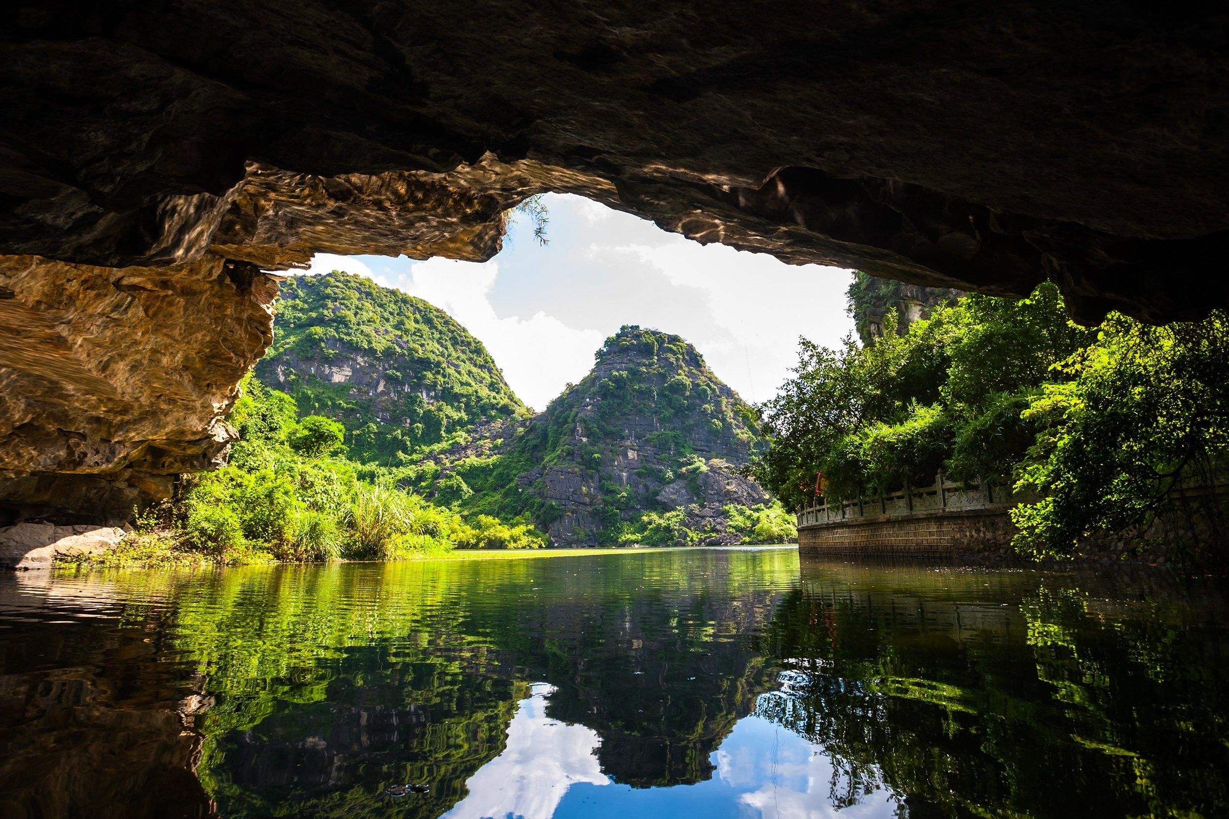 Discover Trang An Our Ninh Binh, Bai Dinh, Dancing Cave & Trang An Tour From Hanoi