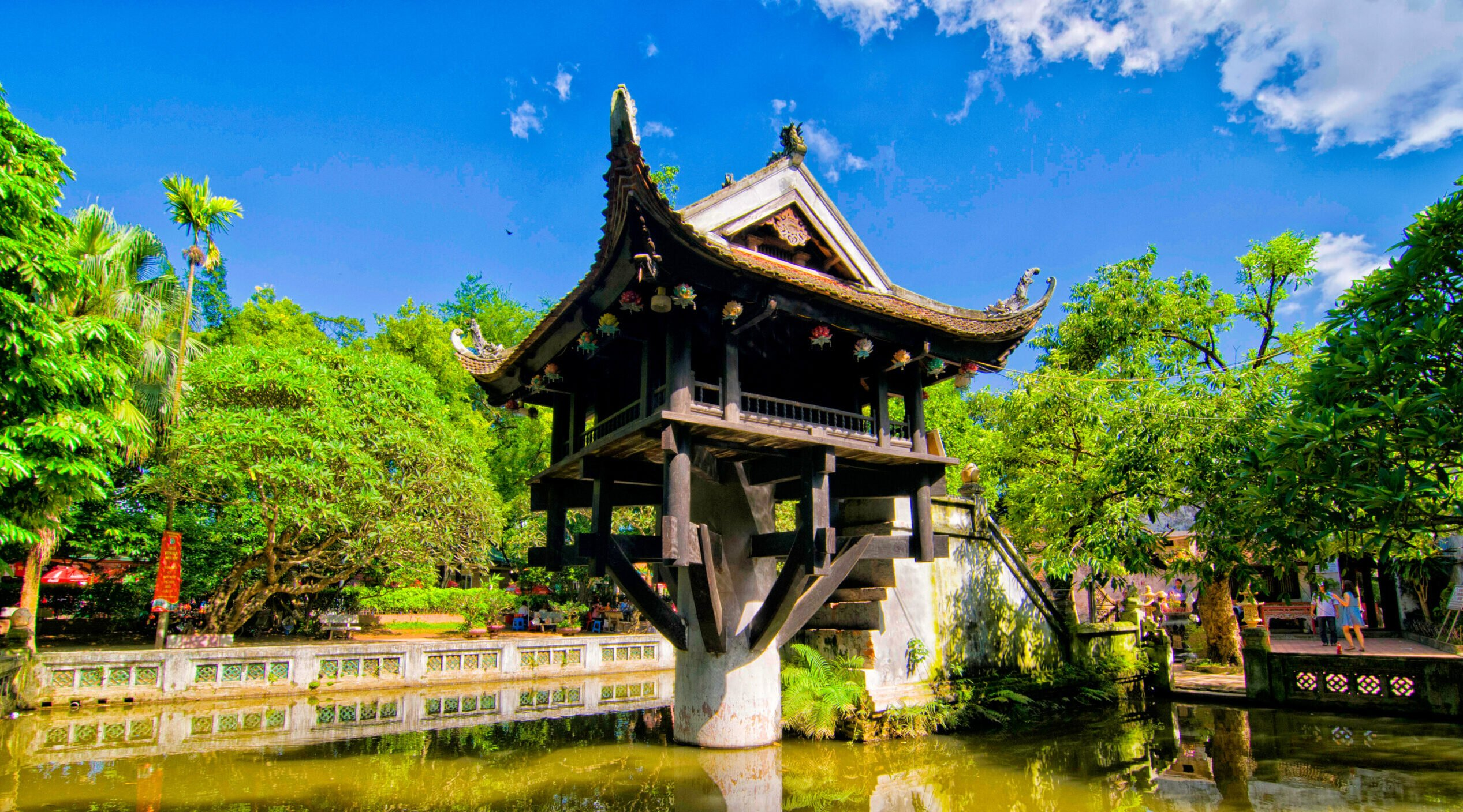 Discover The One Pillar Pagoda During The Insider Hanoi City Tour
