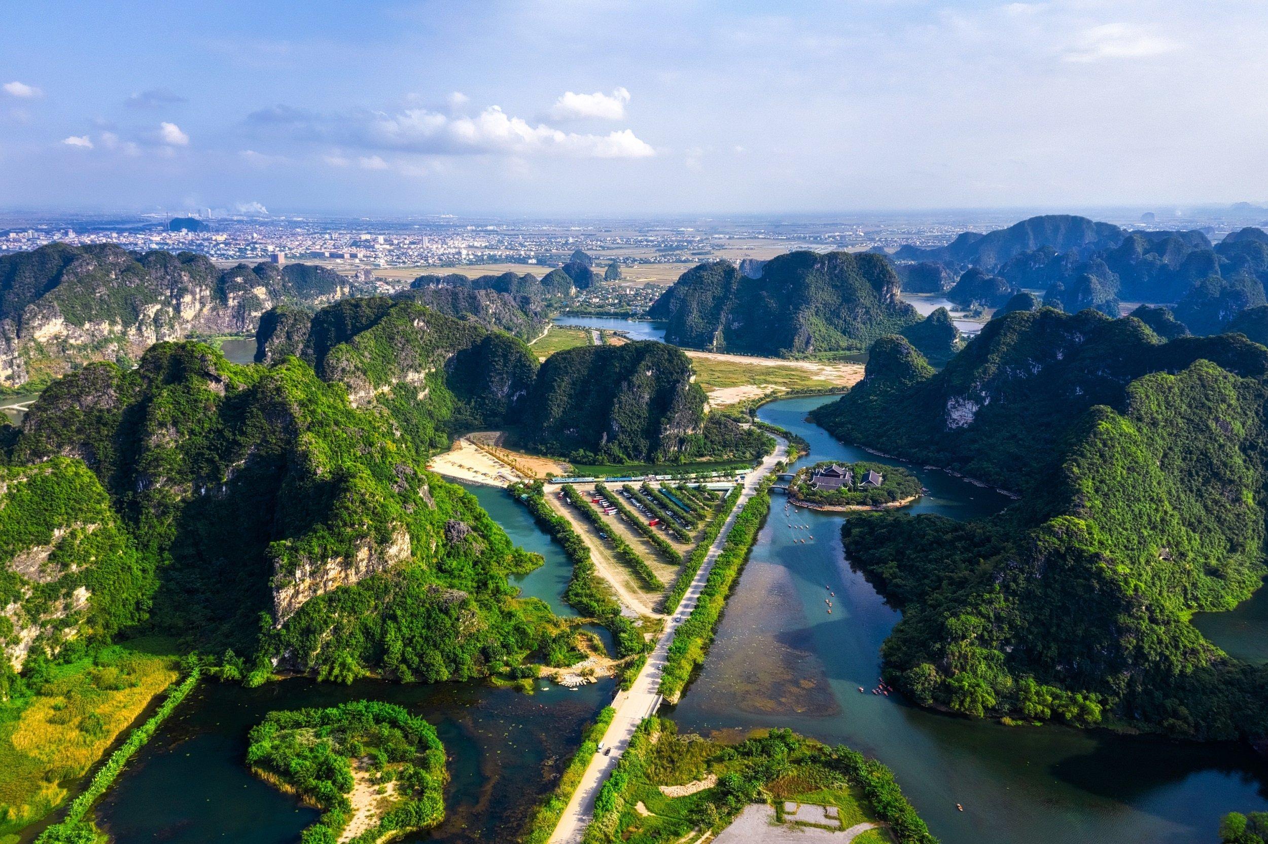 Discover The Beautiful Province Of Ninh Binh On The Ninh Binh, Tam Coc, Dancing Cave & Hoa Lu Tour From Hanoi