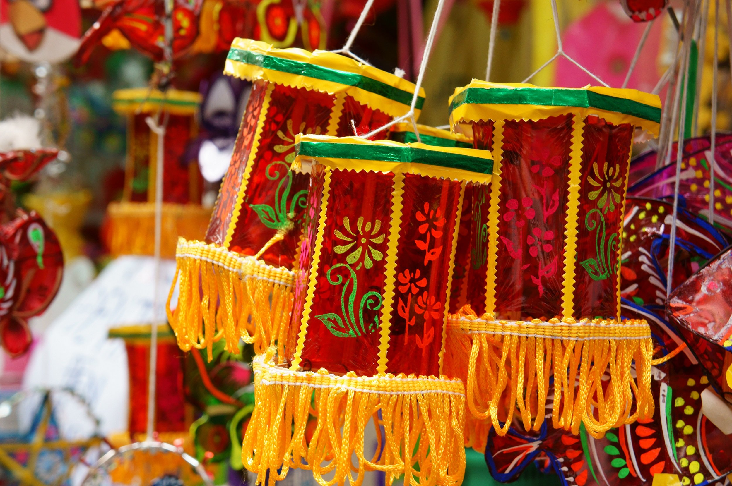 Discover The Colorful Markets Of Ho Chi Minh On The Ho Chi Minh Half Day City Tour