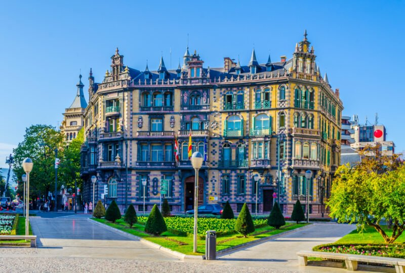 Discover The Highlights Of Bilbao On The Insider Bilbao City Tour With A Local Guide