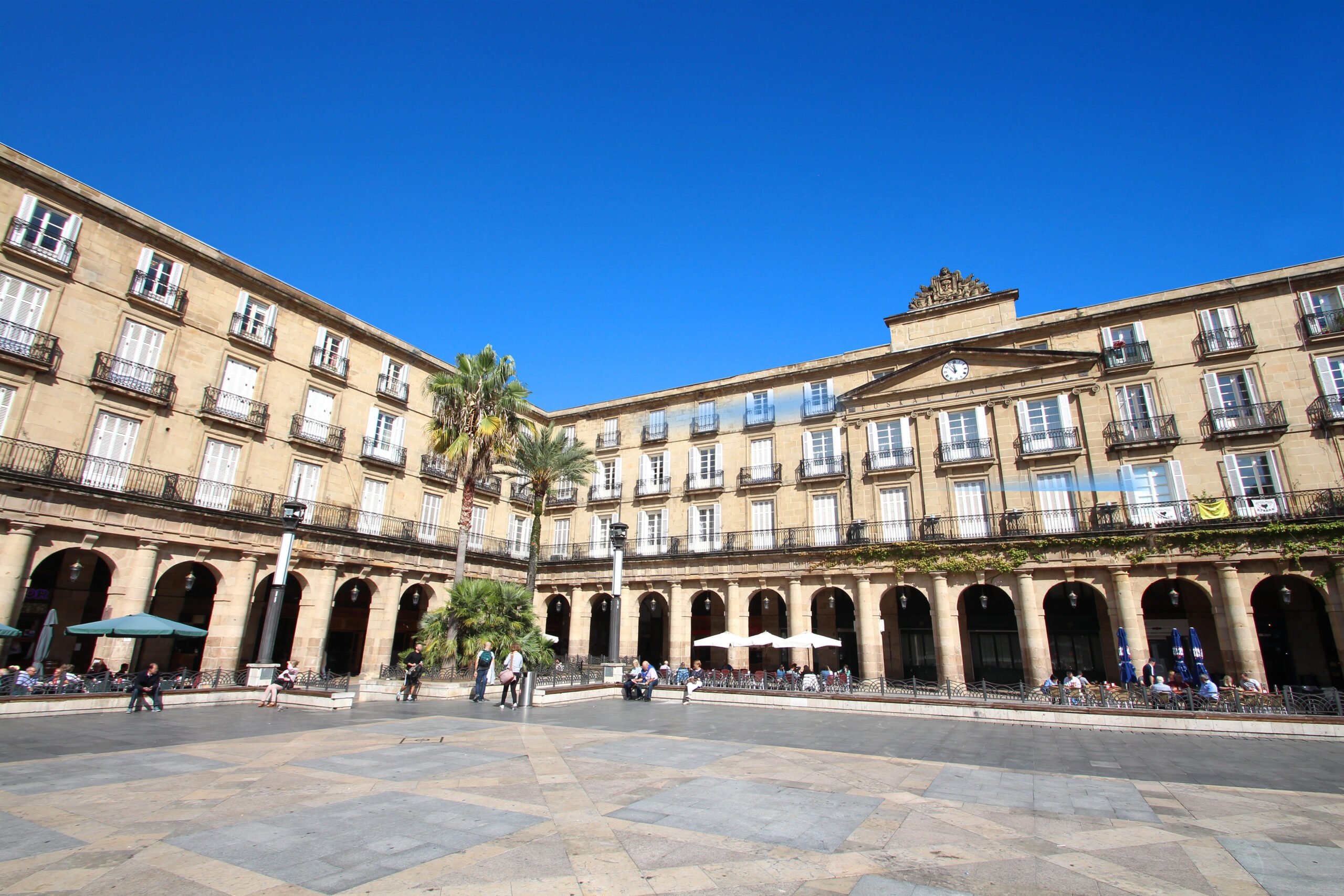 Disover The Famous Plaza Nueva On The Bilbao Old City Tour