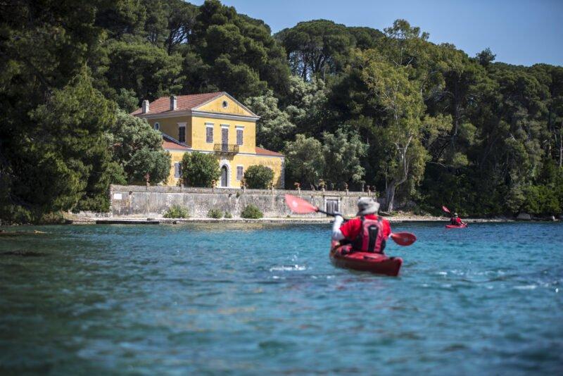 Nydri, Skorpios, Meganisi Sea Kayak Tour From Lefkada