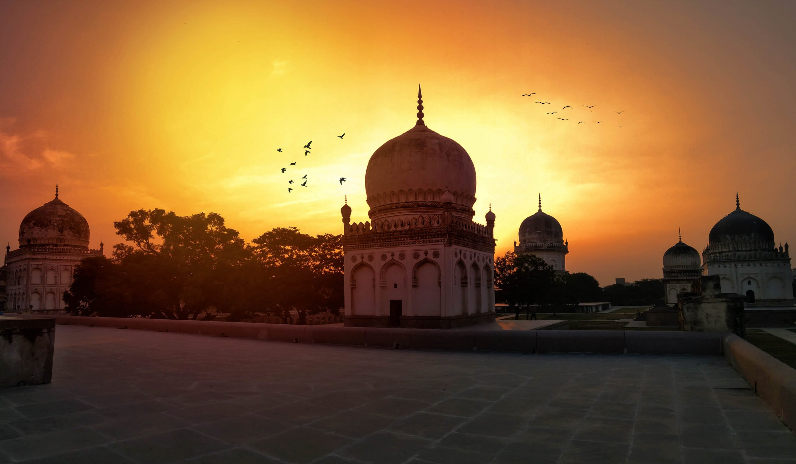 Marvel At The Exquisite Architecture Of Qutub Shahi Tombs