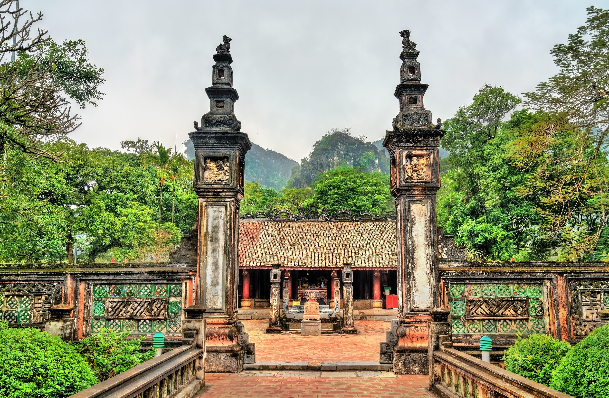 Marvel The Ancient City Of Hoa Lu On The Ninh Binh, Tam Coc, Dancing Cave & Hoa Lu Tour From Hanoi