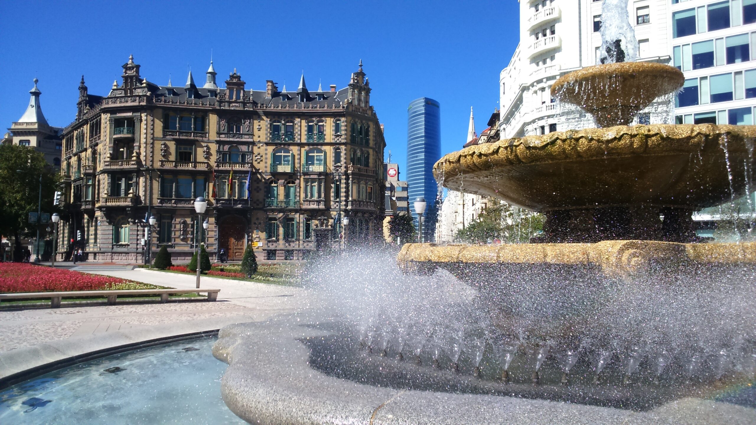 Start Your Insider Bilbao City Tour In The Center Of Bilbao