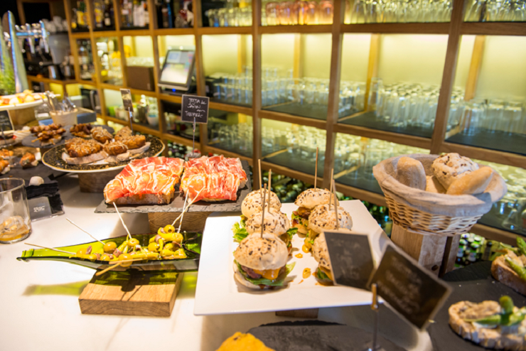 Stop At Some Bars To Try The Delicious Food Of Bilbao On The Bilbao Old City & Food Tasting Tour