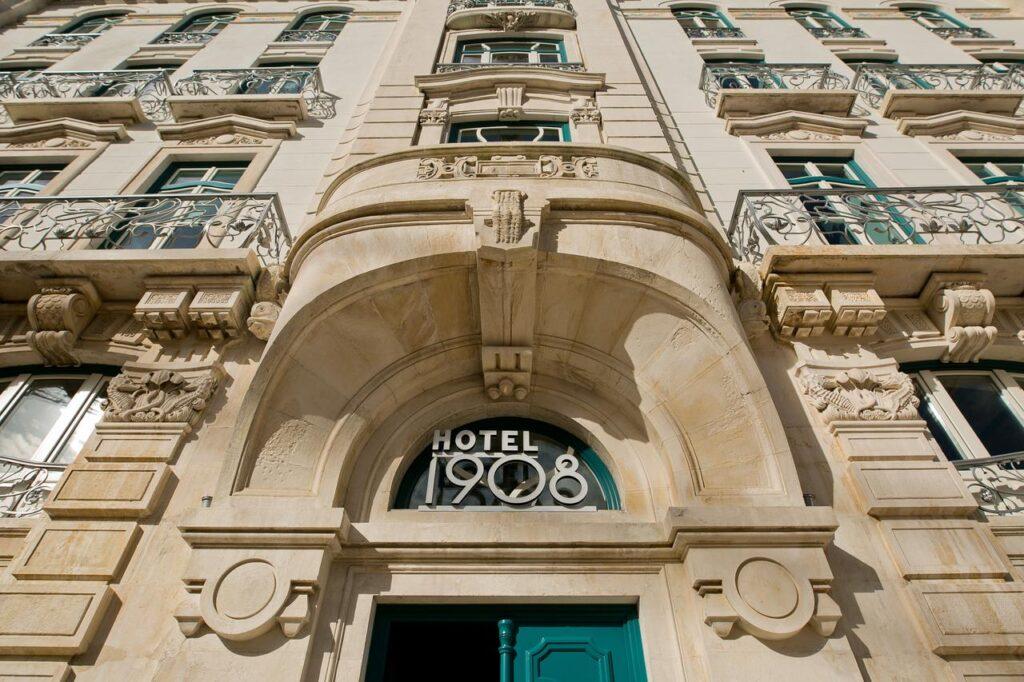 Lisbon Hotels Guide